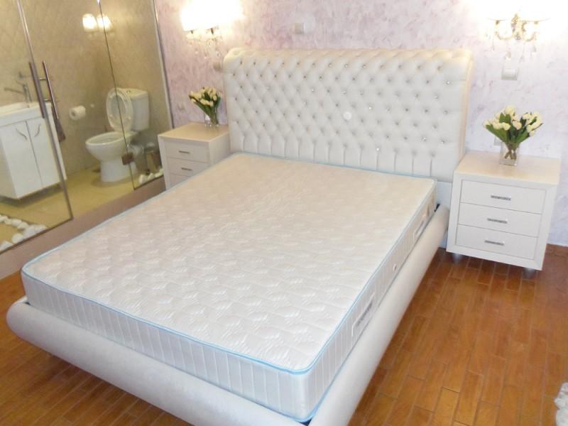 κρεβάτι-άσπρο